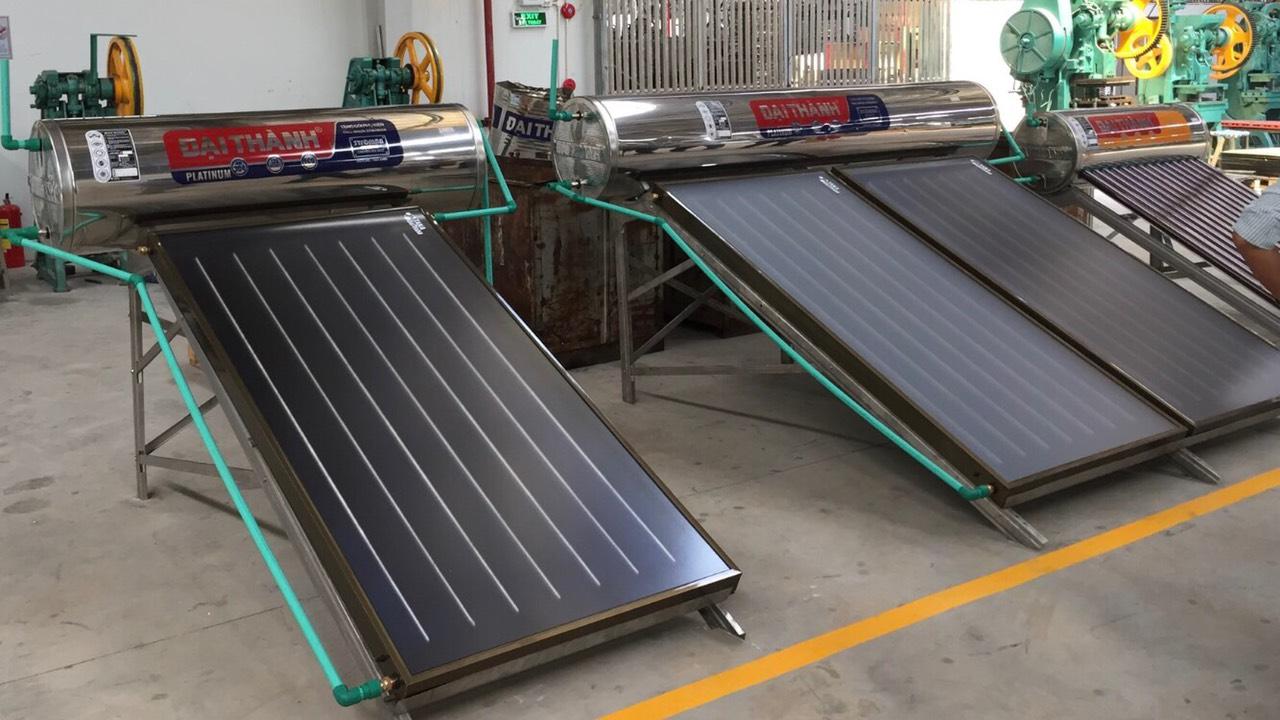 Hình máy nước nóng năng lượng mặt trời Tân Á Đại Thành tại quận 12