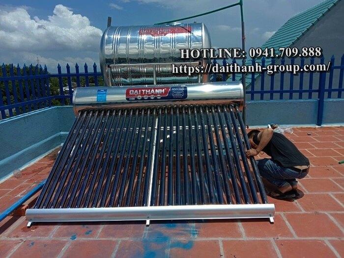 Đơn vị cung cấp máy nước nóng năng lượng mặt trời Đại Thành 150L chính hãng